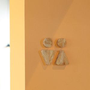 パン屋のトイレ看板デザイン