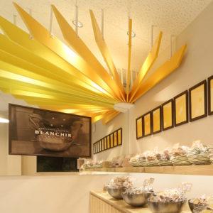 ケーキ屋のパーゴラデザイン