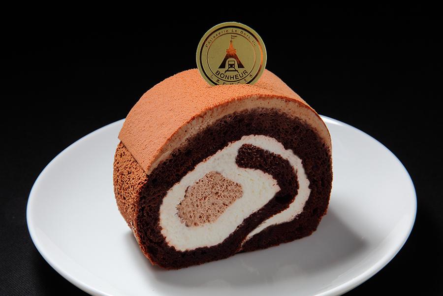 ケーキに世界観を吹き込む小さな個性