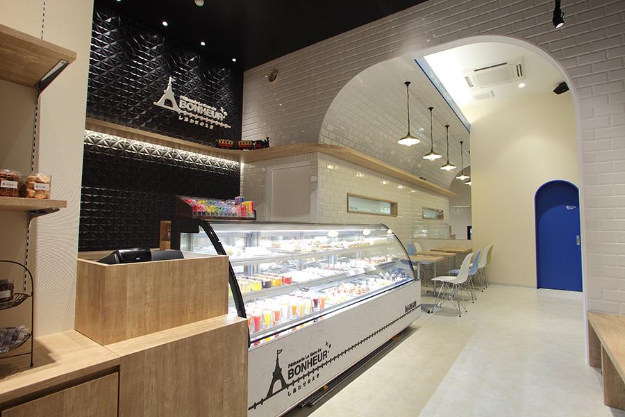 ケーキ屋の内装デザイン