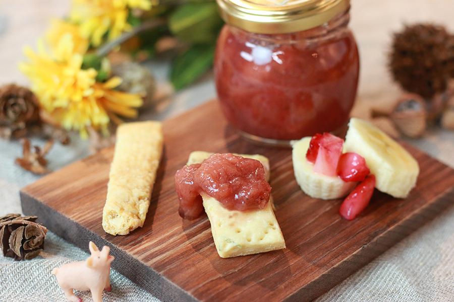 ヴィヴァーチェの苺とバナナのジャム&自家栽培のローズマリークラッカー
